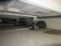 13A8U00201: parking 1