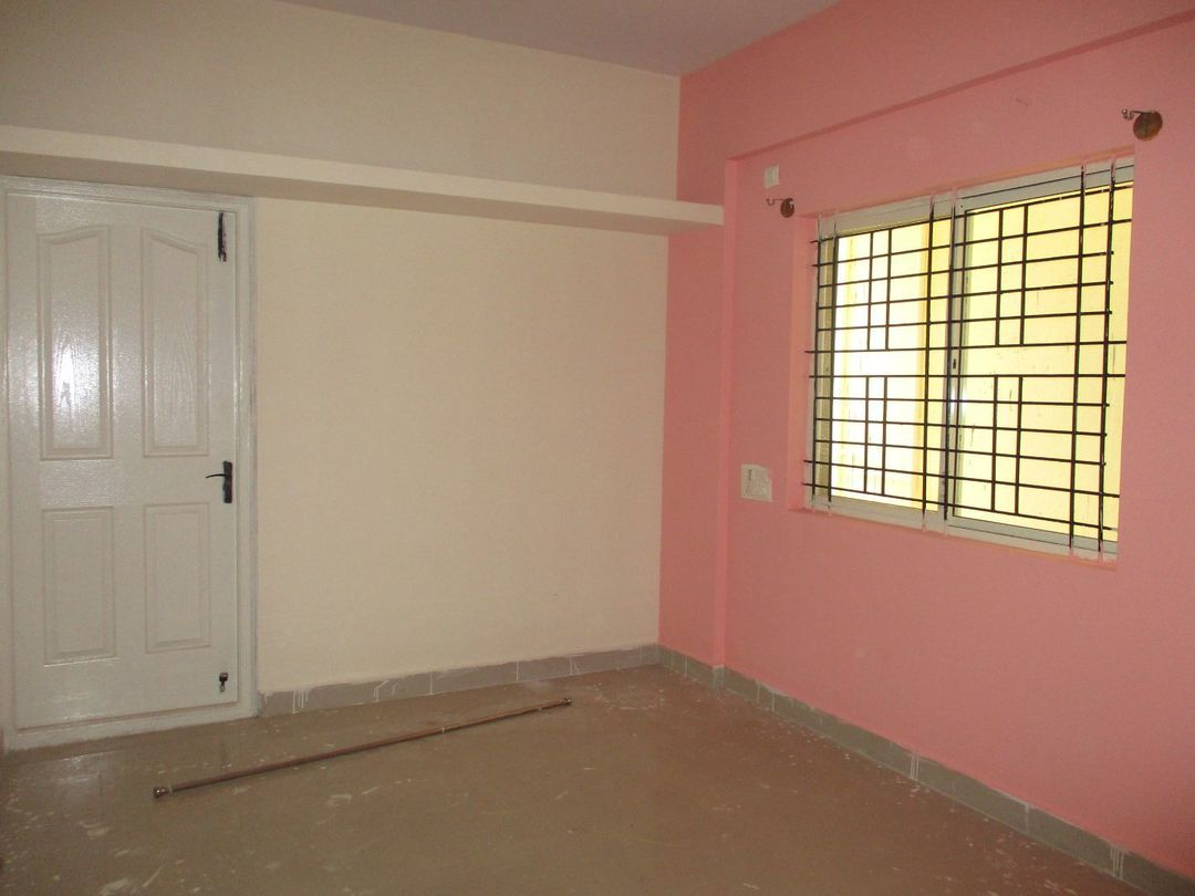 10J6U00210: Bedroom 1
