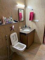 15M3U00100: Bathroom 2