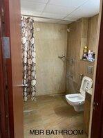 15M3U00100: Bathroom 1