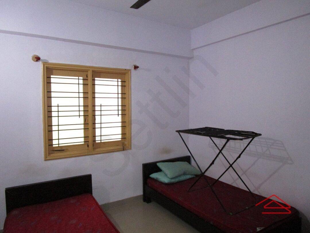 14NBU00239: Bedroom 1