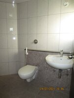 15J7U00326: Bathroom 1