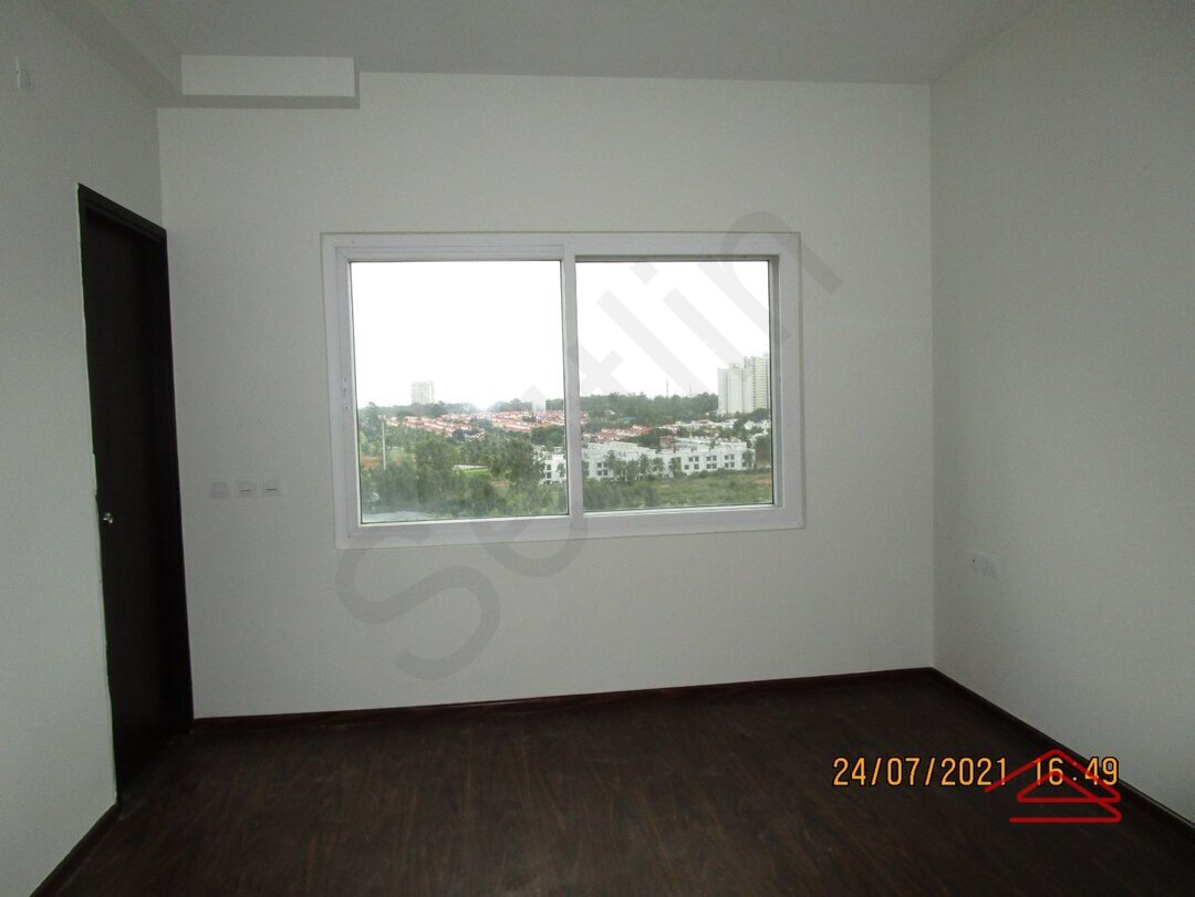 15J7U00326: Bedroom 1