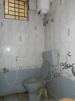 13A4U00359: Bathroom 2