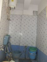13A4U00359: Bathroom 1