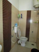 13A4U00216: Bathroom 1