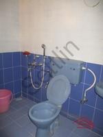 11F2U00092: Bathroom 4