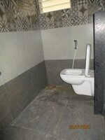 15J7U00275: Bathroom 1