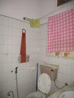 11NBU00429: Bathroom 2