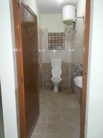 14M3U00280: bathrooms 1
