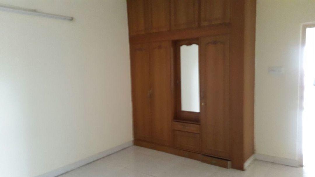10J7U00076: Bedroom 1