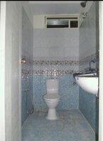 15S9U00040: Bathroom 1