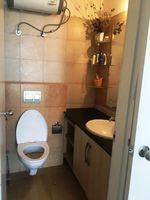 12OAU00096: Bathroom 3