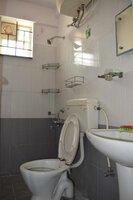 15A4U00200: Bathroom 3