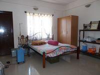 13F2U00319: Bedroom 1