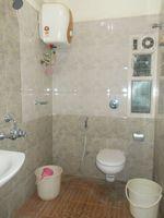 13J6U00458: Bathroom 2