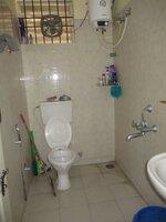 15A4U00269: Bathroom 1
