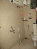 15A4U00269: Bathroom 2