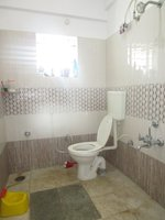 14F2U00427: Bathroom 2