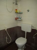 13J1U00132: Bathroom 1