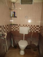 13J1U00132: Bathroom 2