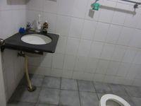 13J6U00141: Bathroom 1