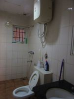 13J6U00141: Bathroom 2