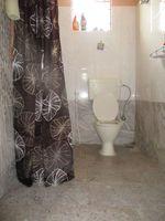 10A8U00187: Bathroom 1
