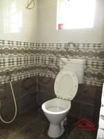 10DCU00179: Bathroom 1