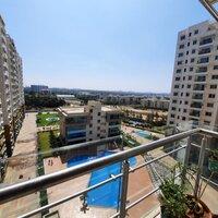 15A4U00436: Balcony 1