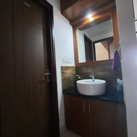 15A4U00436: Bathroom 1