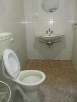 15A4U00230: Bathroom 3