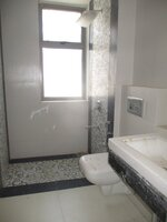 15F2U00081: Bathroom 2