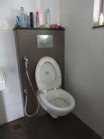 13J6U00483: Bathroom 1