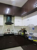13J6U00483: Kitchen 1