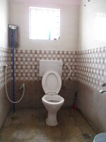 15J7U00050: Bathroom 2