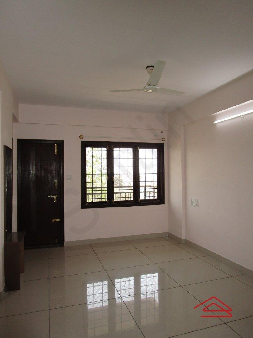 15M3U00327: Bedroom 1