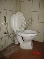 10DCU00232: Bathroom 3