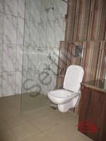 10DCU00232: Bathroom 5