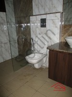10DCU00232: Bathroom 1
