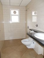 13J1U00087: Bathroom 2