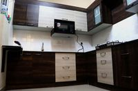 13J6U00090: Kitchen 1