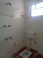 12NBU00119: Bathroom 2