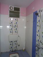 12NBU00267: Bathroom 2
