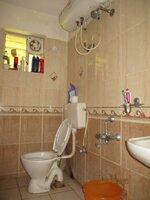 15S9U01211: Bathroom 2
