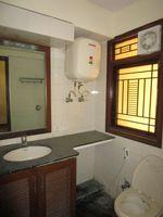 13A4U00156: Bathroom 2