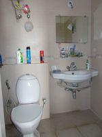 12DCU00293: Bathroom 2