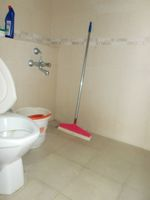 12DCU00293: Bathroom 3