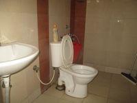 12J1U00038: Bathroom 2
