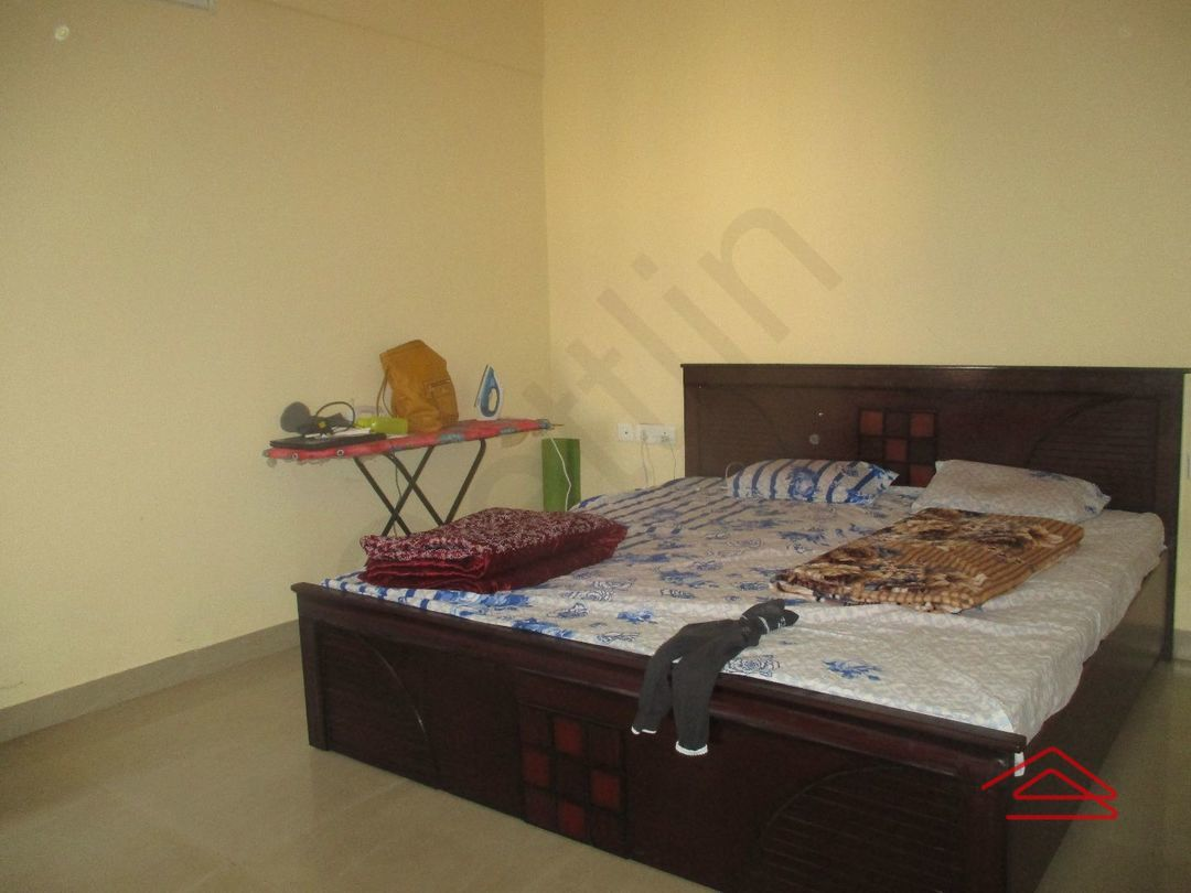 12J1U00038: Bedroom 1